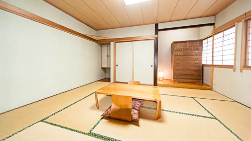 Rooms at Red Warehouse Myoko